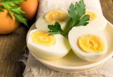 أضرار أكل البيض المسلوق قبل النوم